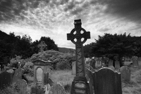 graveyard-black-and-white-100535782-primary.idge